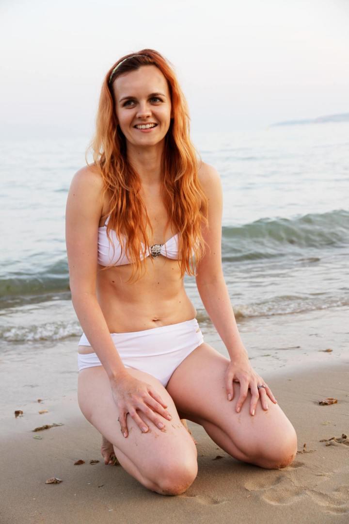 kirsty dee beach photo
